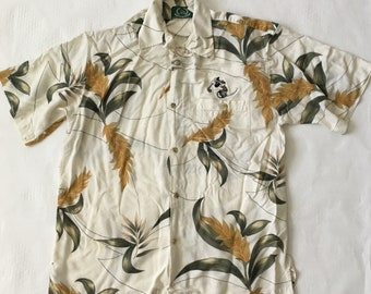 1ebb8dea189a Disney Golf Collection Hawaiian Style Floral Shirt With Golfing Mickey  Patch Size Medium M