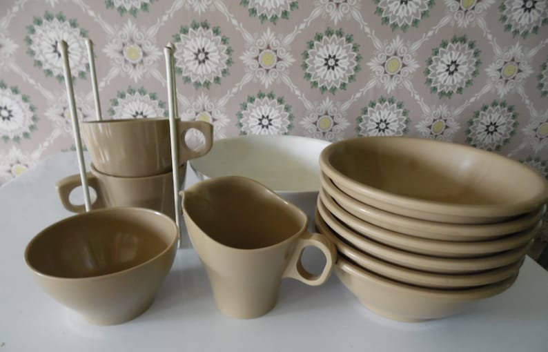 Midcentury Brown Melamine Dishes, 12 PCs Brown Boonton Bowls, Cups,  Creamer, Sugar, Retro Set of Brown Boontonware, Vintage Melamine Dishes