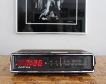 Vintage Lloyd's Clock Radio, Working Electric Alarm Clock Radio, Faux Wood Case, Loud Digital Clock Radio with Red Numbers, 70s AM FM Radio
