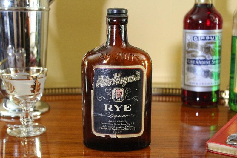 Vintage Pete Hagen's Rye Liqueur Bottle with Black Label, Antique Brown  Whiskey Bottle, Art Deco Barware, Midcentury, Man Cave Bar Decor