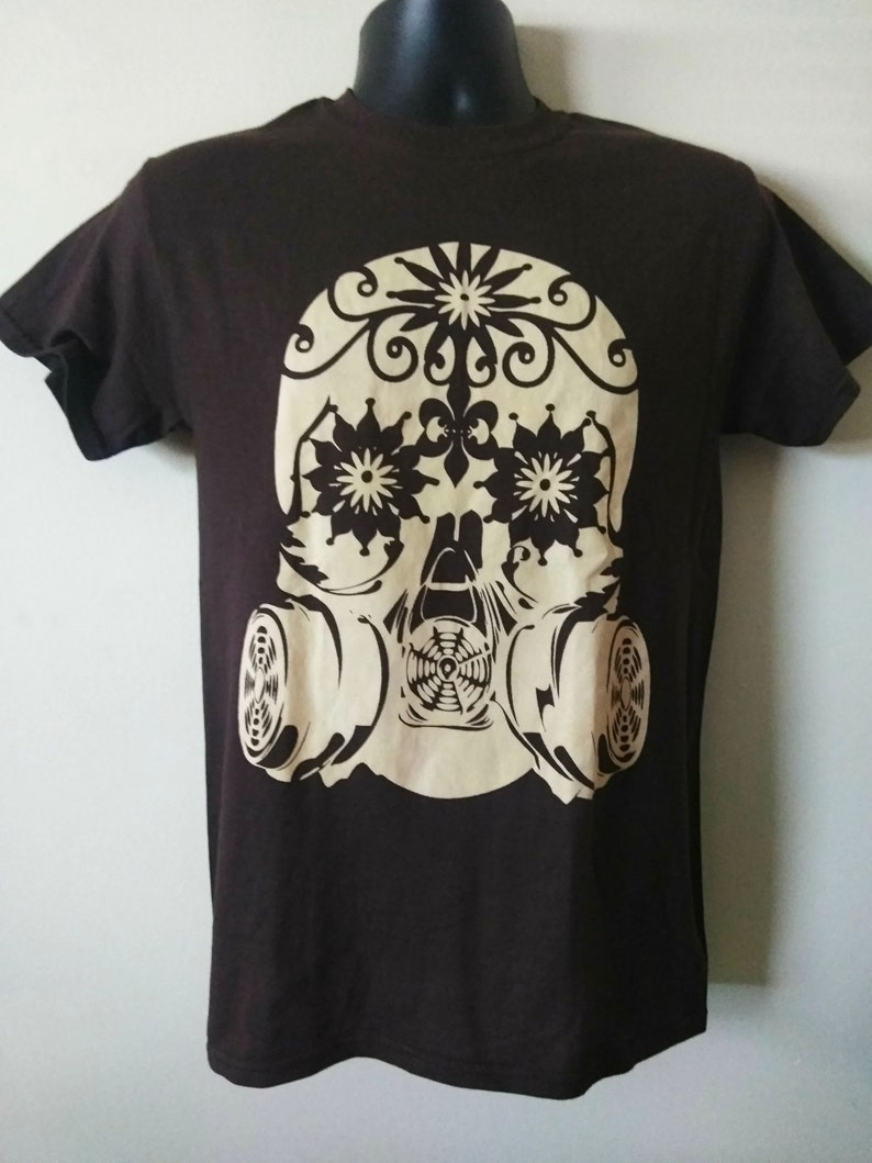 SKULL WITH GAS Mask Tee