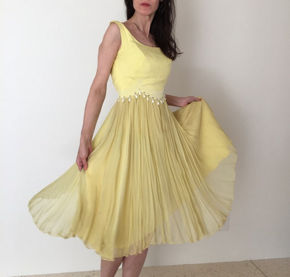 Beaded 1950s cocktail dress women XS small/Vintage