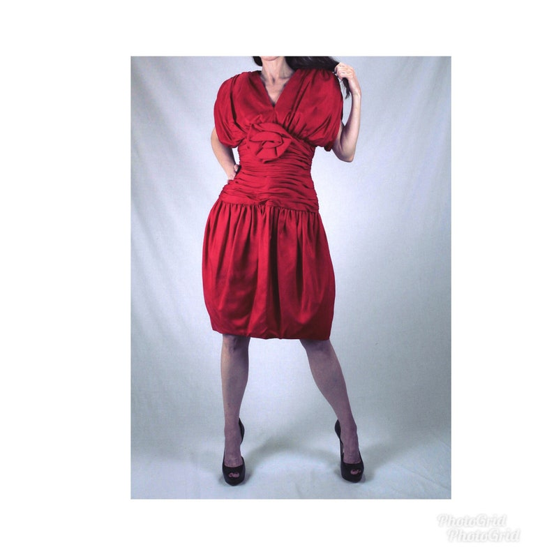 d83122ee4b8 80s does 40s vintage red silk wiggle cocktail dress women