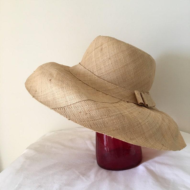 Vintage raffia straw hat woven curved brim 60s 1960s  1765bfad29c2