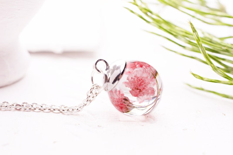 Resin necklace Nature necklace Botanical jewelry Birthday gift for her Real flower necklace Terrarium necklace with dried pink flowers