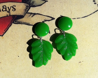 Fakelite Green Leaf Earrings, 40s 50s Style, Carved Bakelite Inspired, Mid Century Modern, Rockabilly, Pin Up.