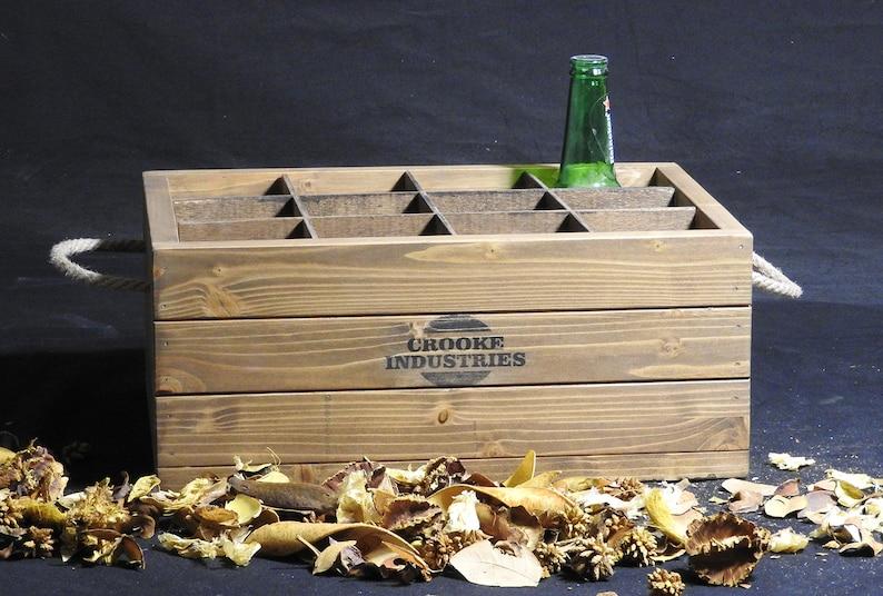 Gepersonaliseerde bier krat, cadeau voor hem, houten bier vervoerder,  cadeau voor bierliefhebbers, aangepaste bier vak, houten bier houder, beste  man