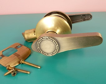 Vintage Door Passageway Set Lever Handle Antique Brass Greek Key Door Pull Kwikset