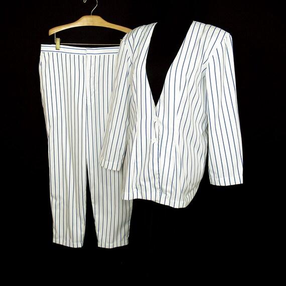 1980s Vintage Pinstripe Pant Suit White Cobalt Blu