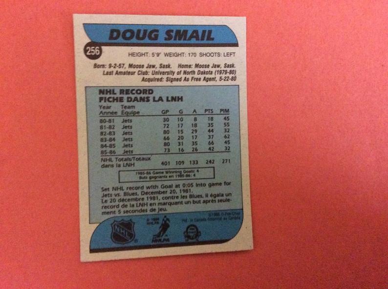 O-Pee-Chee #256 Hockey 198687 Doug Smail