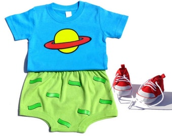 Chuckie Finster, Summer Outfits, Summer toddler clothes, planet universe shirts