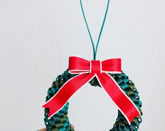 Lovely, paper band, braided Christmas lease
