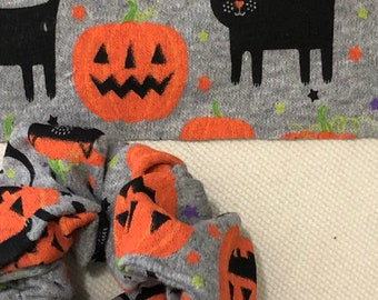 Halloween scrunchie, black cat pony tail holder , pumpkin scrunchies, Halloween hair style,  hair ties,  pony tail holder, clearance