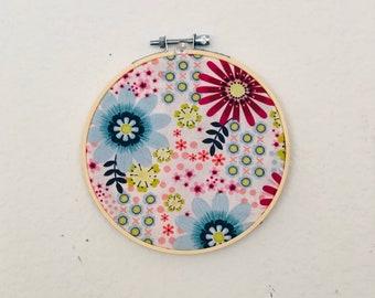 Hoop wall art, hoop wall hanging,floral wall decor, housewarming gifts, flowers hoop art,hoops decoration, hoop flowers, floral hoop