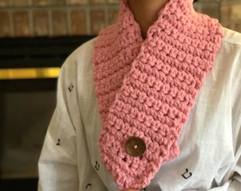 Scarf, Pink Chunky Scarf neck warmer with Large button