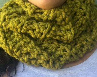Scarf,olive green chunky Crochet neck warmer, Fall Winter Accessories, outlander inspired