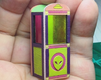 1:48 Alien Fortune Teller Booth- Quarter Scale Halloween Dollhouse Miniature- 1/4