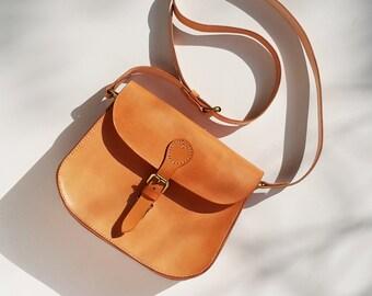 Leather Saddle Bag / Classic Saddle Bag / Crossbody Saddle Bag / Summer Bag / Leather Shoulder Bag / Handmade Women's Bag