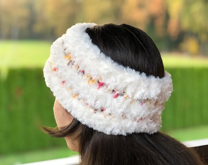 Crochet earwarmer - super soft - fake fur - one size