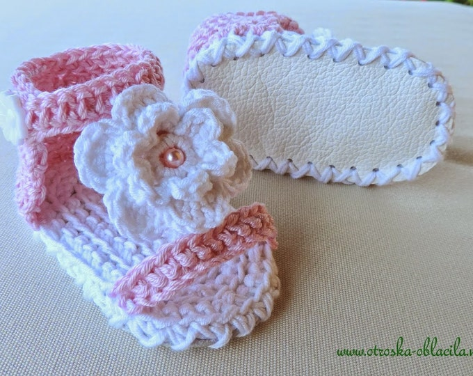 Crochet Baby Sandals, Baby Sandals, Handmade Crochet Baby Sandals with Ties, Sandals that stay on Baby's feet