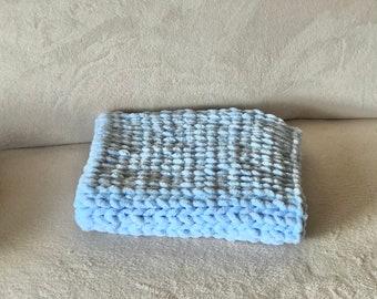 Fingerknited handmade chuncky soft blanket - blue - Baby blanket - Pet blanket - Dog blanket