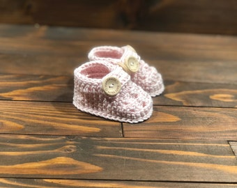 Baby booties, bamboo booties, crochet baby shower gift, newborn gift, baby girl, baby  boy, first shoes, pink