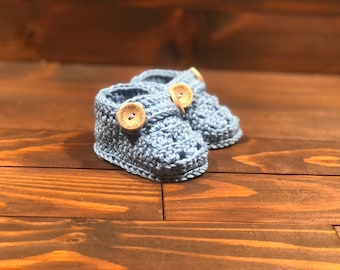Baby booties, bamboo booties, crochet baby shower gift, newborn gift, baby girl, baby  boy, first shoes, blue