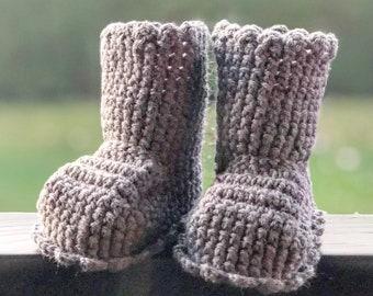 Crocheted slippers - soft wool yarn - booth edition 2020 (baby slippers, wool, baby gift, newborn, boy, girl)