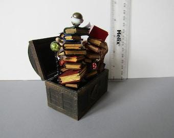 Exploding treasure chest for a wizard/witch or pirate? by KastleKelm Miniatures