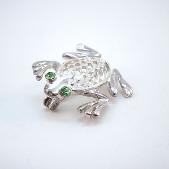 ca2193cf Silvertone Frog Brooch with Green Rhinestone eyes