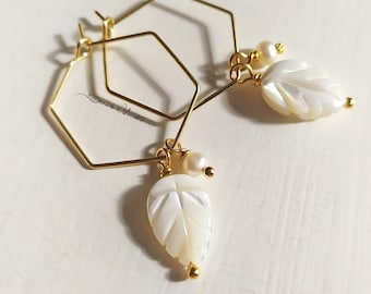 Golden hexagonal hoop earrings with mother-of-pearl leaf pendant and white natural pearl