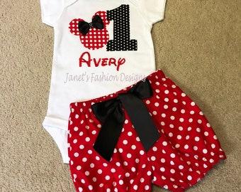 925274c1ed54 Hot rosa o rosso Minnie Mouse pantaloncini e maglietta / Onesie grande  numero personalizzato Set - Minnie Polka Dot compleanno Outfit neonate  Disney