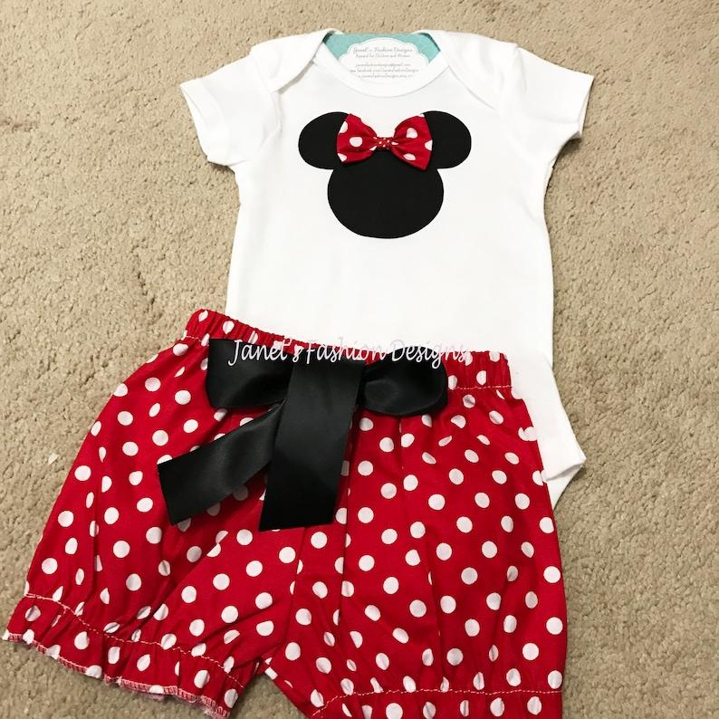 Mouse di Minnie rosso pantaloncini e t-shirt   Onesie Set  199d60c19d2c