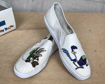 e4c8da50a824 90s Looney Tunes Keds Roadrunner Wile Coyote    Size 8 W Slip On White  Canvas Sneakers    NOS Original Box