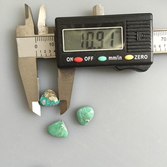 PM145 Beaucoup ensemble pilote Triangles pilote ensemble montagne Cabochons de Turquoise verte naturelle 10,5 carats ornée d'un cabochon en pierre gemme non traité 7a465c