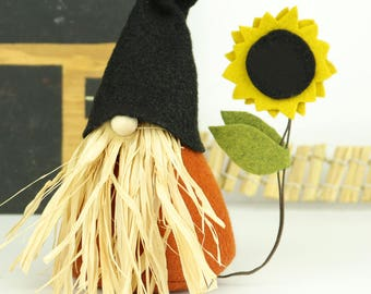Thanksgiving Gnome and Sunflower, Scarecrow, Halloween Gnome, Nordic Gnomes, Scandinavian, Thanksgiving Decoration, Autumn Decor, Fall Decor