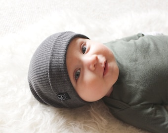 3f2a2823367 Charcoal Ribbed Knit Hipster Slouchy Beanie   Soft and Comfy Hat   Kids  Toque