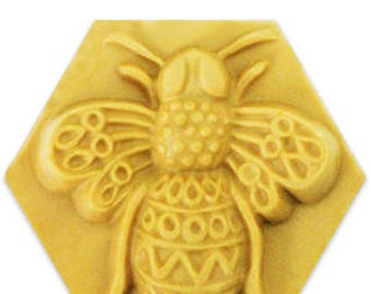 Clear Plastic Filigree Bee Soap Mold Makes (4) 2.75 oz. Bars Milky Way. For Melt & Pour and Cold Process Soaps MW01