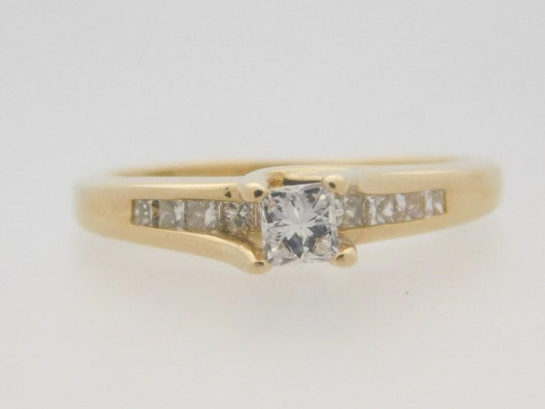 a933863f6aa3 Corte de la princesa de T.W. 050 quilates diamante anillo de