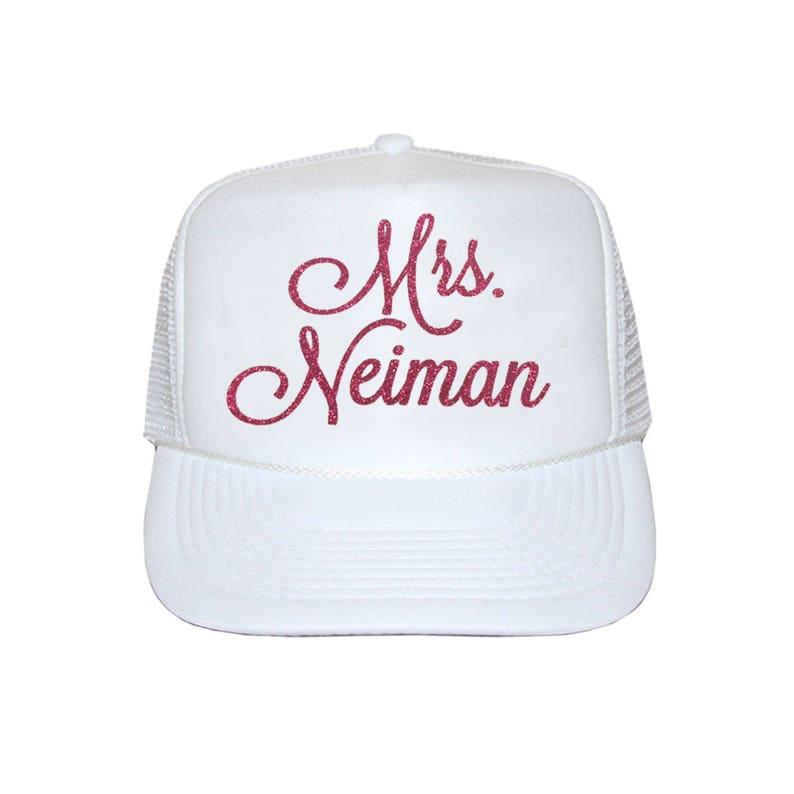 a8d4a31cce1c1 Sra. Personalized Trucker sombrero sombrero del camionero de