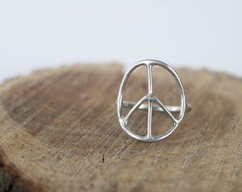 Peace Sign Ring - Boho Ring, Minimalist Jewelry, Statement Ring, Hippie Ring, Everyday Ring, Eco Friendly, Gift for Her, Birthday Gift