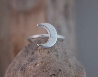 Crescent Moon Ring - Silver Celestial Ring, Boho Ring, Stackable Rings, Minimalist Ring, Simple Everyday Ring, Birthday Gift for Her