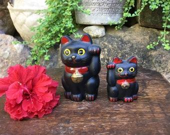 Set Of 2 Black Japanese Tokoname Porcelain Figurine 招き猫 Maneki Neko Beckoning Cat Good Luck Charm Okimono