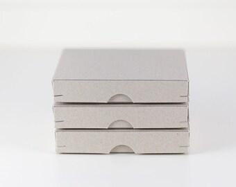 3 Geschenkschachteln 11 x 11 cm aus Graupappe