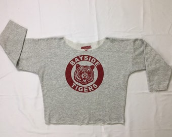 Save By The Bell Kelly Kapowski Bayside High Tigers Oversized Off the Shoulder and Cropped Grey Sweatshirt Medium, Vintage Crop Sweatshirt M