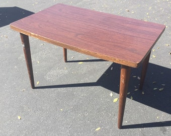 Mid Century Modern Dark Walnut Side Table, MCM End Table, Mid Mod Living Room Table, Mid Century Accent Table, Danish Modern Table