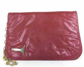 Vintage Red Faux Leather Womens Clutch, Vintage Womens Clutch, 80s Vintage Clutch, 80s Vintage Purse, 80s Fashion, Red Wine Envelope Clutch