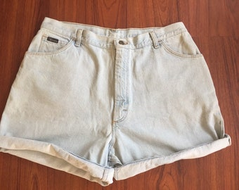 90s Vintage Light Wash Denim Wrangler Shorts,  Vintage Mom Jeans Shorts, High Waisted Shorts