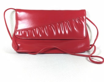 Vintage Red Faux Leather Womens Clutch, Vintage Womens Clutch, 80s Vintage Clutch, 80s Vintage Purse, 80s Fashion, Red Envelope Clutch