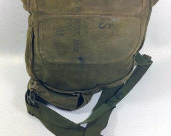 Vietnam Era Vintage US MILITARY M17A1 Protective Field Gas Mask Bag, Vintage Messenger Bag, Vintage Army, Vintage Marines, Military Bag